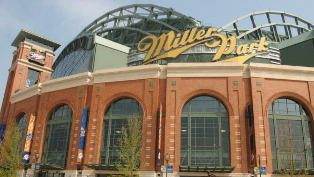 Coronavirus: Cardinals-Brewers weekend games postponed after more positive tests