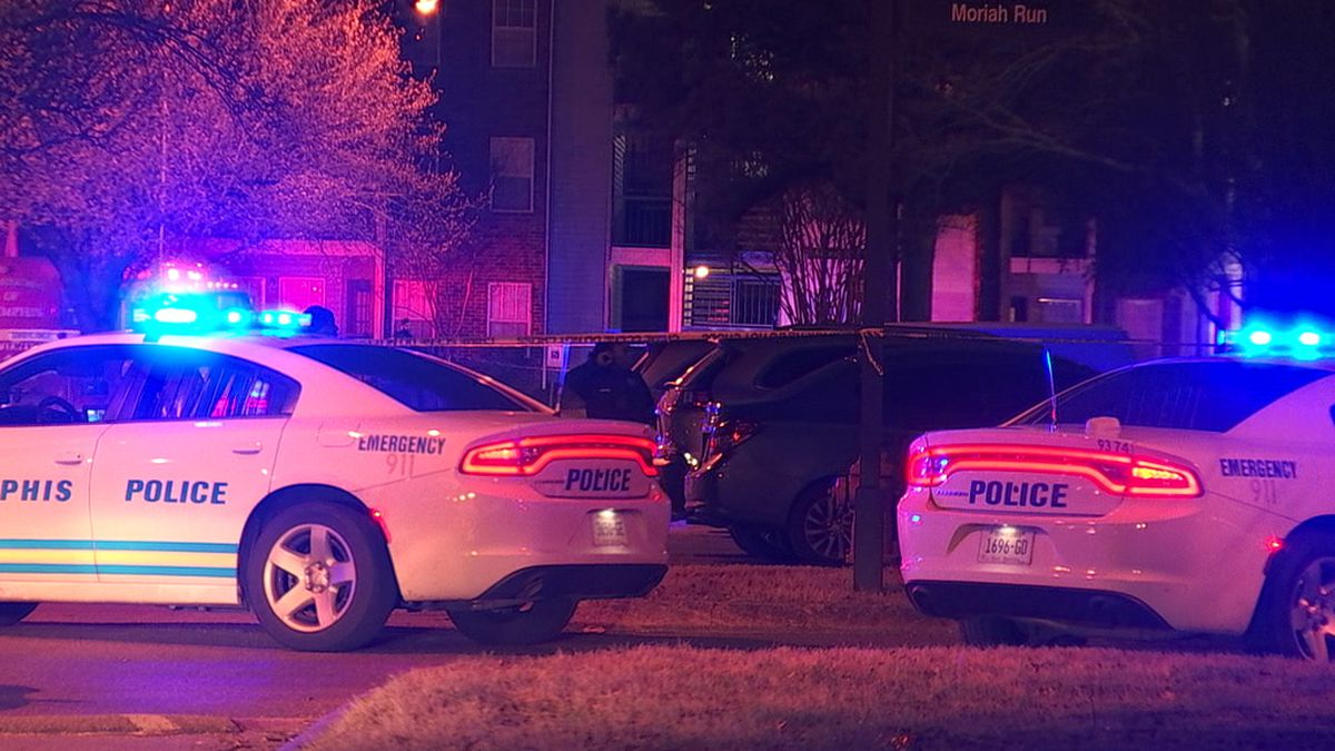 Person dead after shooting at apartment complex near Hickory Hill, police say