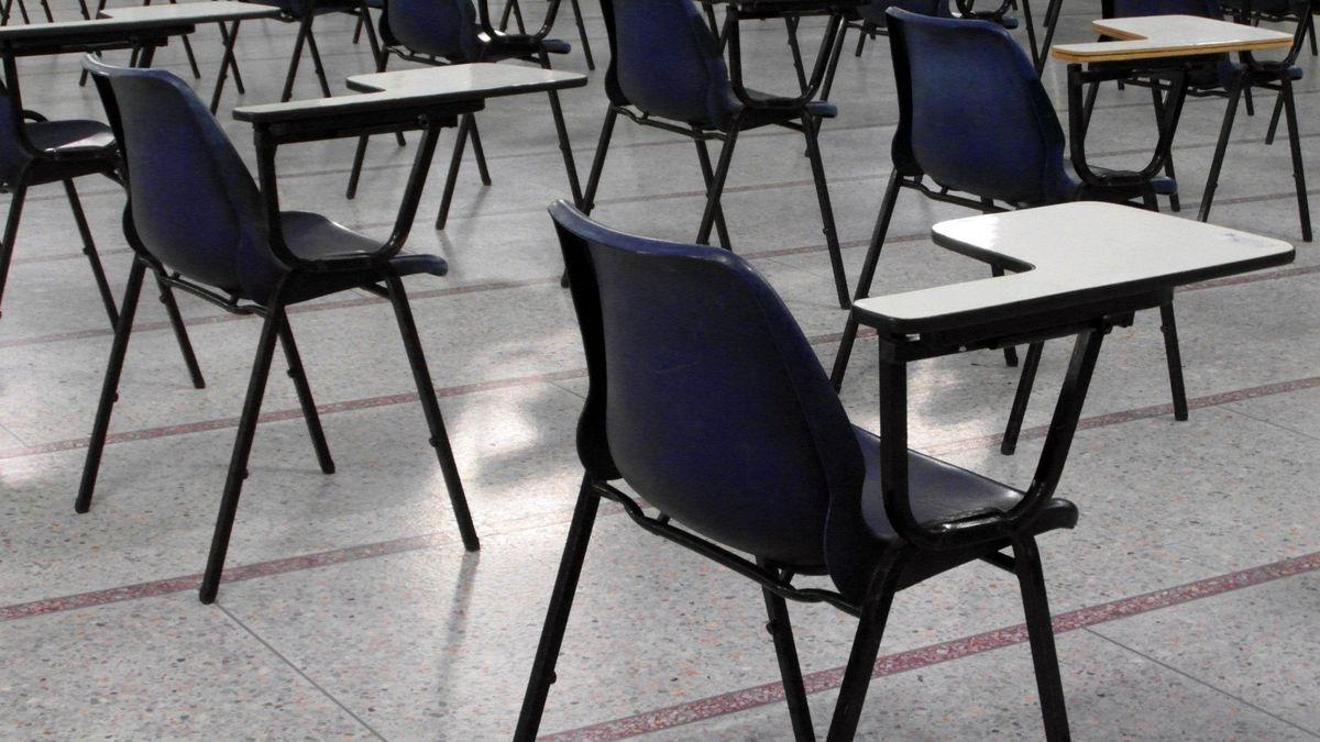 Los Angeles public school district to remain closed in fall