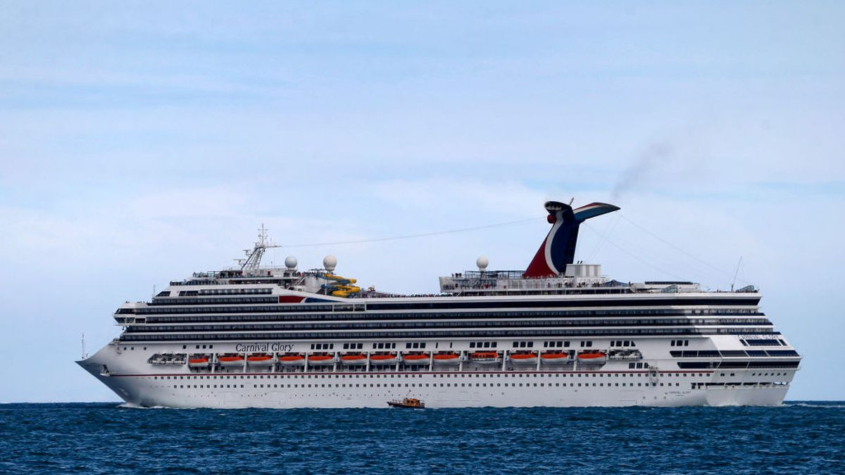 WATCH: Cruise ships collide at Cozumel port