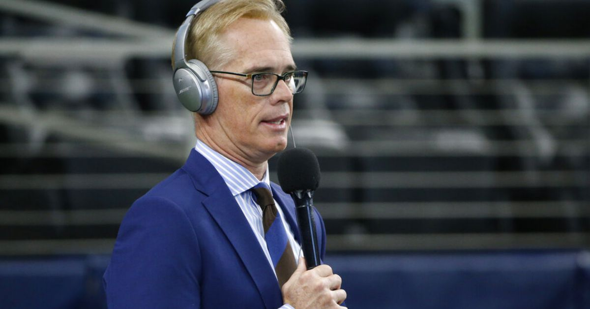 On-air surprise: Joe Buck learns he is joining father in Pro Football Hall of Fame