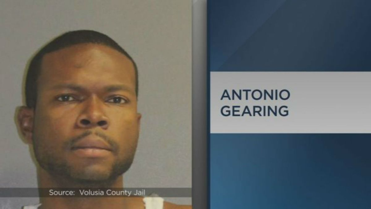 Florida man recaptured after casually walking out of courtroom during trial