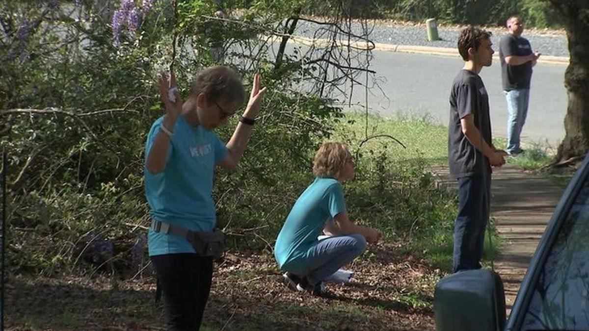 Coronavirus: Group protests outside North Carolina women's health center amid stay-at-home order