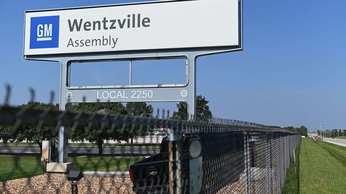 1,250 workers facing layoffs at GM truck plant in Missouri