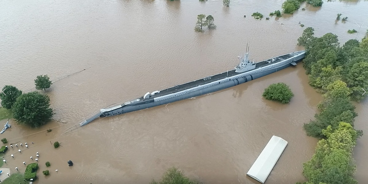 Crews work to secure historic WWII submarine in Oklahoma flooding