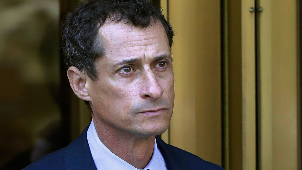 Anthony Weiner ends prison sentence, released from halfway house