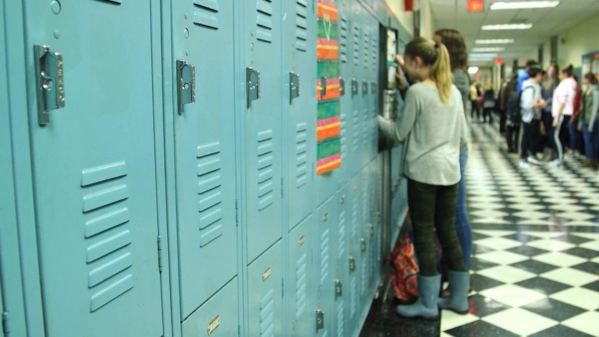Houston High School reports more positive COVID-19 cases